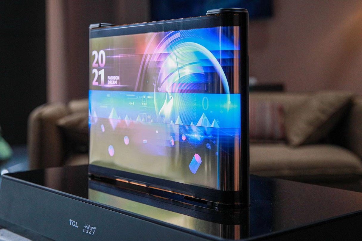 TCL_CES2021_Printed OLED Scrolling_Display_Stretched